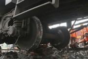 Поезд с серной кислотой сошел с рельсов в Австралии