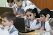 Путин: надо создать общедоступную электронную школу
