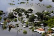 Более 100 тыс. человек эвакуированы в Парагвае и Уругвае