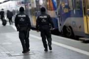 Мигранты в Берлине изнасиловали девочку