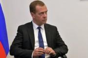 Медведев: надо помочь авиаперевозчикам летающим курортными маршрутами
