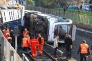 В метро турецкого Измира перевернулся вагон