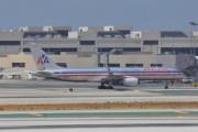 Темнокожих пассажиров American Airlines удалили из самолета