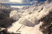 Водителей не пускают на Транскам из-за схода лавин