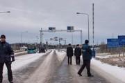 Индиец насмерть замерз в очереди под Мурманском