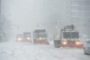 Число жертв снежной бури на востоке США достигло 17