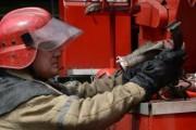 Кровля жилого дома горит в центре Москвы, эвакуированы 10 человек