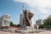 В Харькове неизвестные повредили памятник воину-освободителю