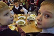 В Амурской области дети отравились в школьной столовой
