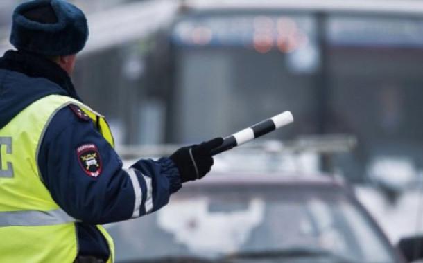 В Москве при падении с эстакады погиб полицейский