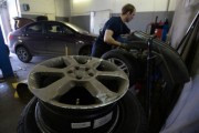 Сотрудник московского автосервиса продал на запчасти машину клиента