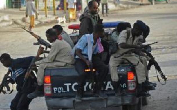Число жертв захвата боевиками ресторана в Сомали превысило 20