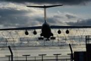 Ил-76 готовится сесть во Внуково из-за сработавшей сигнализации