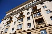 В центре Москвы балкон рухнул на проезжую часть