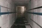 Рухнувший лифт едва не убил женщину в Москве