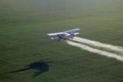 Самолет упал на фургон с пассажирами в Бразилии