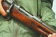 В Украине мужчина стрелял по детям из-за петард