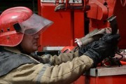 Пожарные спасли 11 человек из горящего дома в Москве