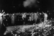 Гудков: сожжение любых книг – путь в средневековье и варварство