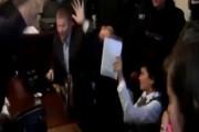Нардеп Украины устроил драку в суде