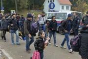 Мигранты напали с ножом на журналистов во Франции