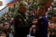 Летчики ЦВО награждены орденами за спасение космонавтов